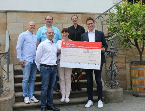 Stripf Project Solutions spendet 5.000 Euro an OMEGA Freundes-Förderkreis e.V.